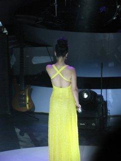 Cái đáng nói không phải là váy đẹp mà là khoảnh khắc này!