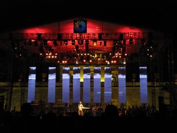 Dàn nhạc giao hưởng trẻ Maius Philharmonic biểu diễn khai màn Monsoon 2015 và Gala