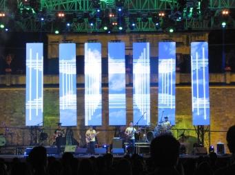 Trần Toàn K300 cùng ban nhạc