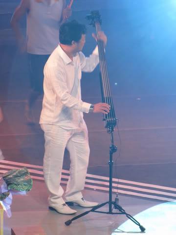 Nhạc sĩ Lê Quang trong live show Melodies of Time